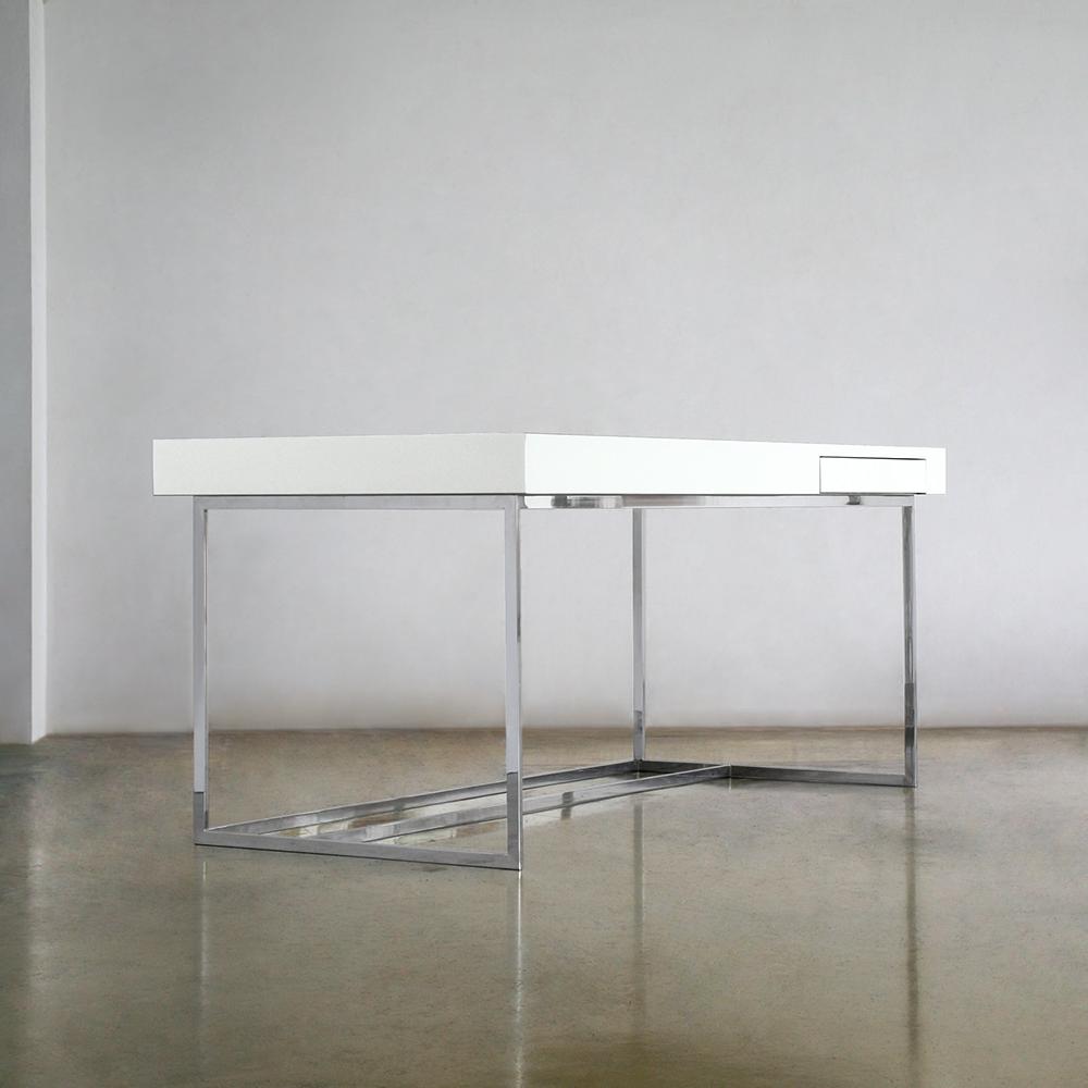 Desk N°15